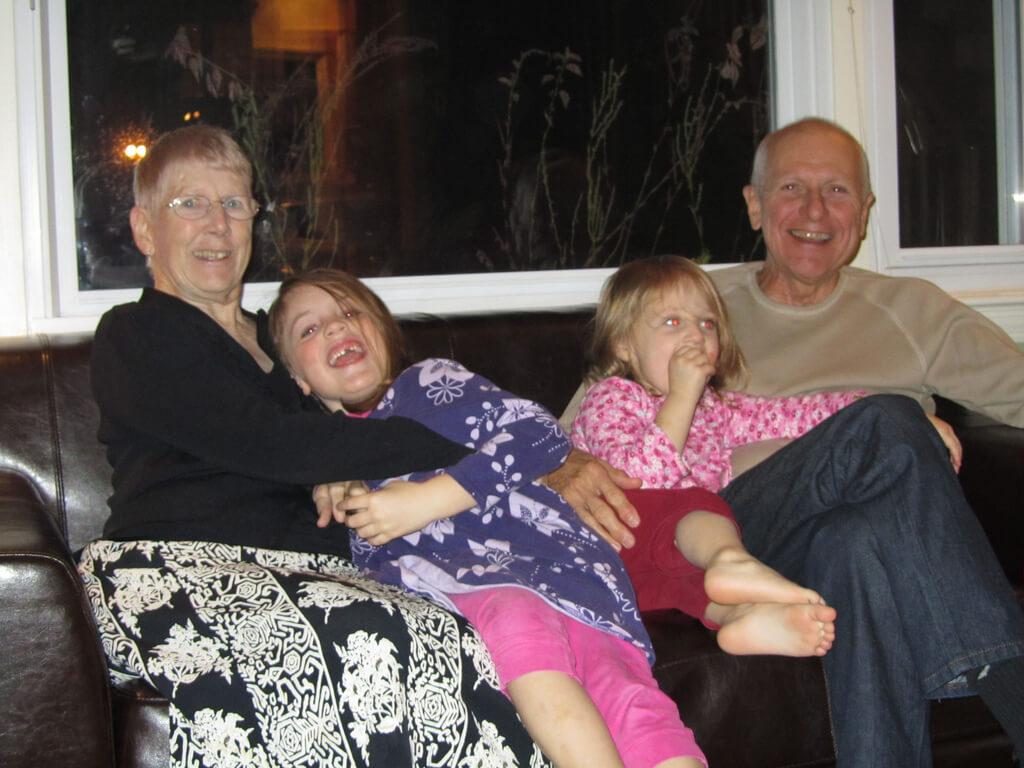 Avós e netos unidos